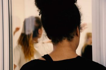 TANZWERK-Reutlingen-Ballett-Erwachsene-Fenster-Zuschauer-W
