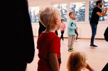 TANZWERK-Reutlingen-Breakdance-Kids-Jojo-Zuschauer-W