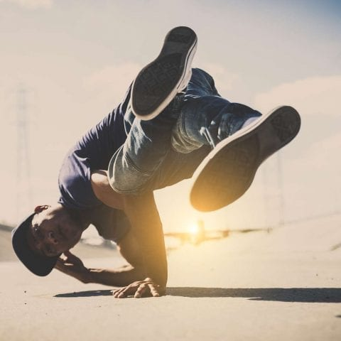 HIP HOP & BREAKDANCE